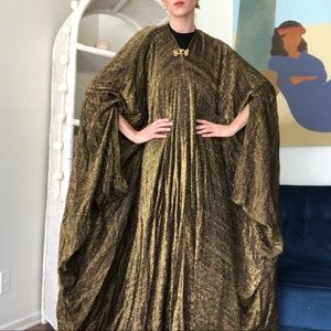 Vintage 60's Cape ✨ Stunning Gold and Black